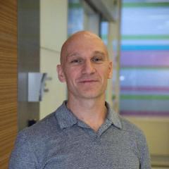 Dr Adam Irwin