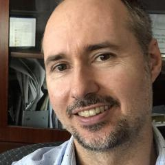 Dr Eamonn Eeles
